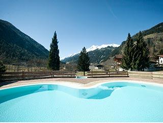 Sommerurlaub Stubaital | Schwimmen & Wellness | Hotel Wiesenhof Mieders, Tirol